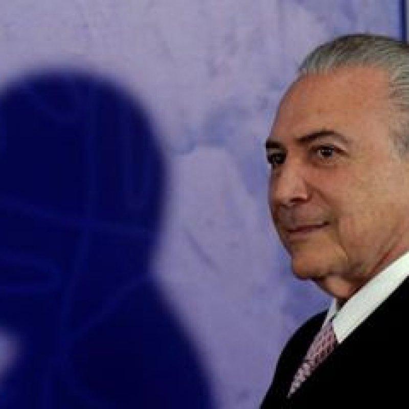 Temer assina acordos econômicos e sociais com o presidente do Suriname