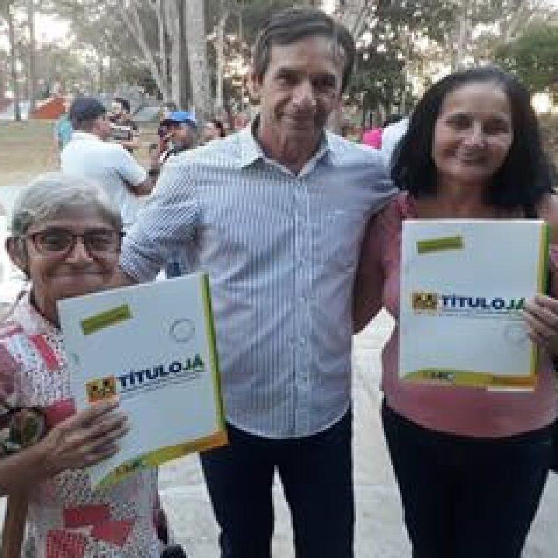 Deputado Marcelino participa da entrega de títulos urbanos em Ouro Preto