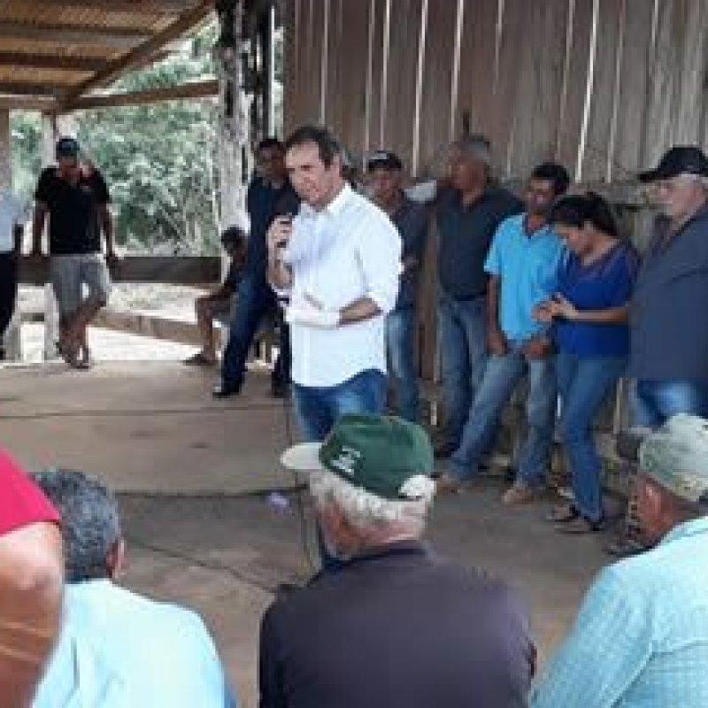 Marcelino se reúne com representantes de associações do assentamento Jatuarana