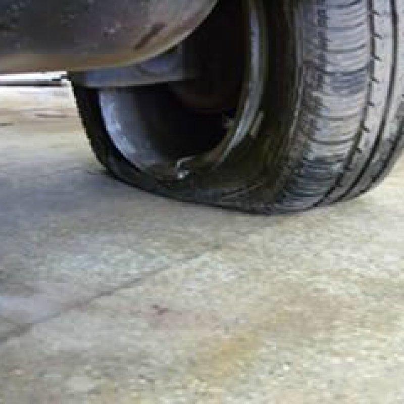 Teve prejuízo em seu veículo por buracos na estrada? Saiba seus direitos e como acioná-los