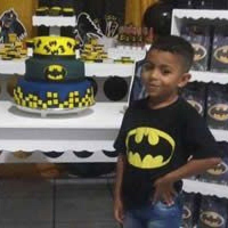 Criança de 5 anos morre após se engasgar com pirulito: 'Tristeza muito grande'