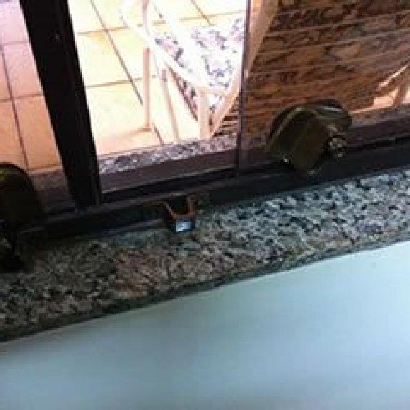 Ouro Preto: ladrão arromba janela e furta notebook em residência no Park Amazonas