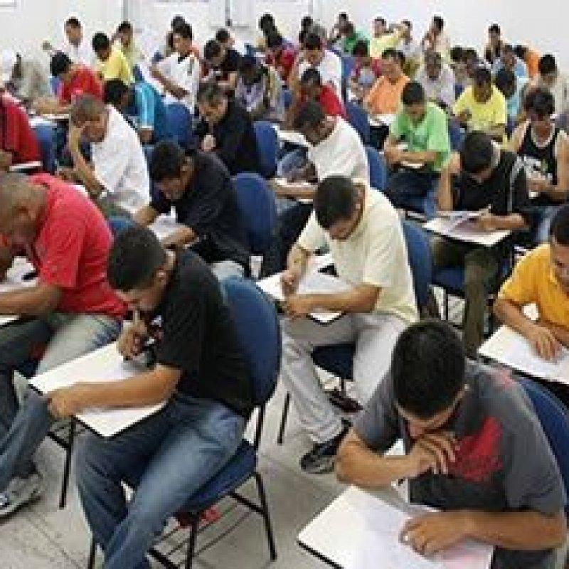 Concursos públicos oferecem 12.143 vagas com salários de até R$ 35,5 mil