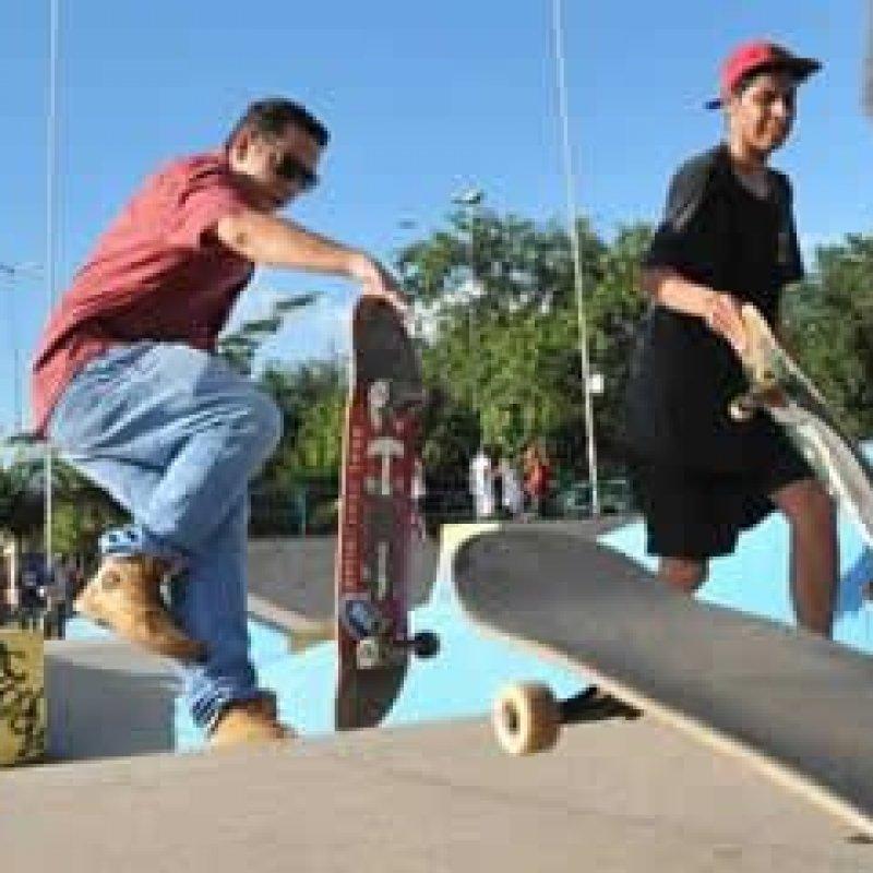Primeiro Campeonato de Skate reúne amantes da modalidade em praça de PVH
