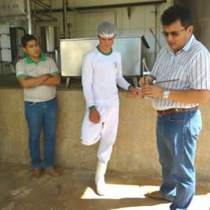 Nova União: alunos do SENAR-RO participam de aula prática em agroindústria