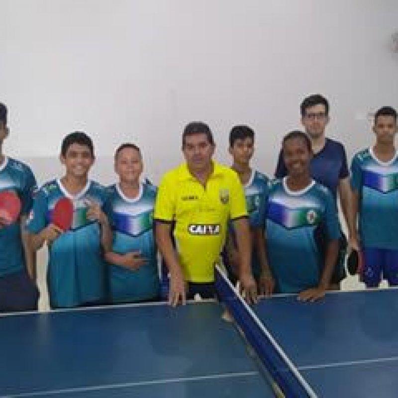 """Presidente da Federação Acreana de Tênis de Mesa visita projeto """"Atletas de Ouro"""""""