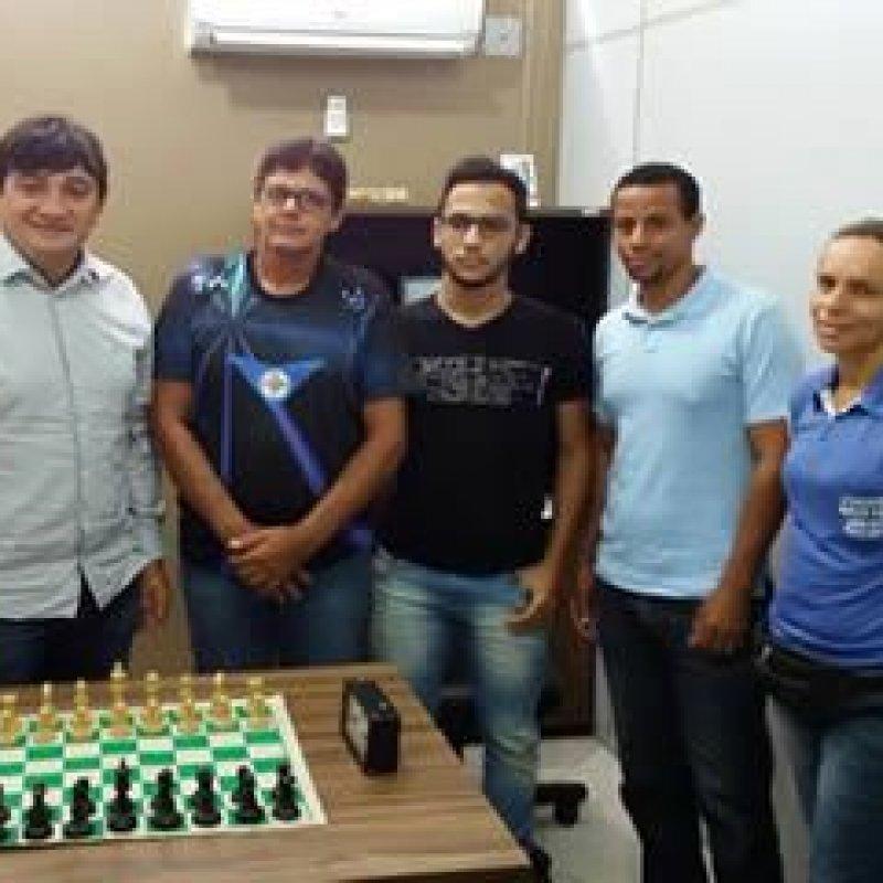 Acadêmicos de Ouro Preto terão apoio do deputado Cleiton Roque