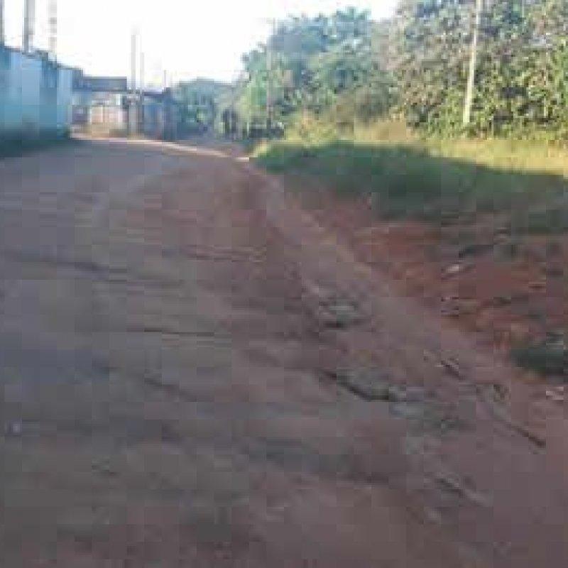Internauta denuncia péssima condições de rua que é acesso para Escola infantil em Ouro Preto