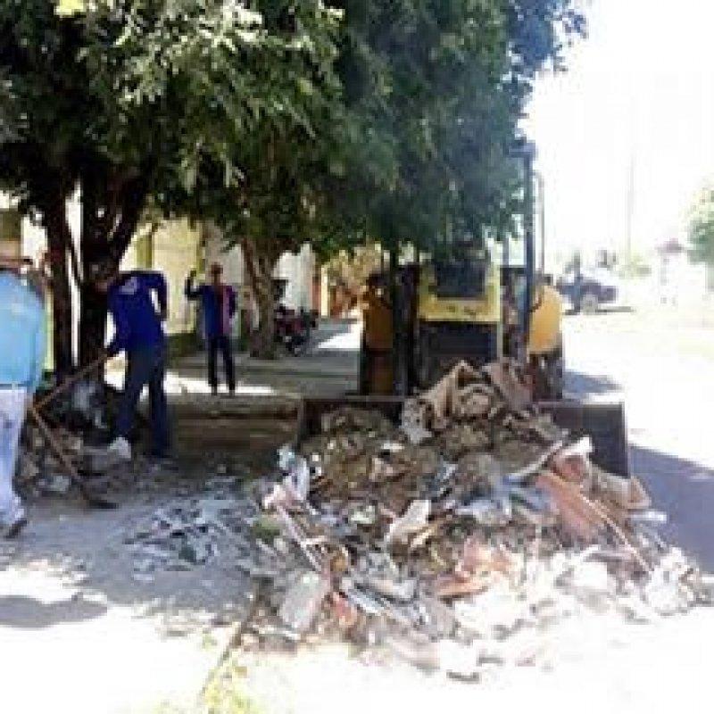 """Prefeitura de Ouro Preto do Oeste realiza """"Operação Cidade Limpa"""""""