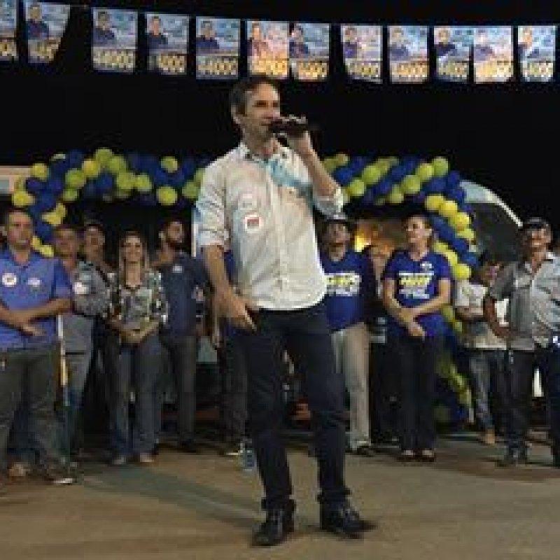 Deputado Marcelino Tenório encerra a campanha com grande carreata
