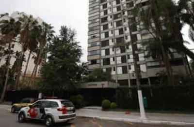Filho suspeito de matar pai a facadas em bairro nobre de SP é preso