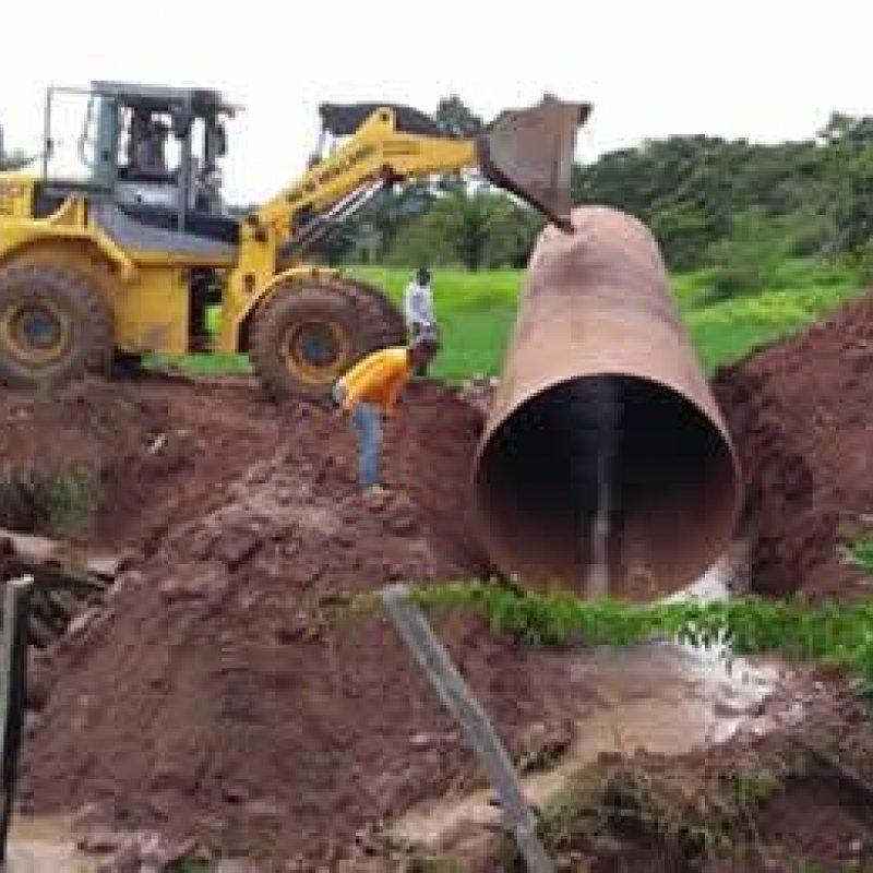 Jaru: com emenda de Marcelino, prefeitura substitui ponte de madeira por tudo armco
