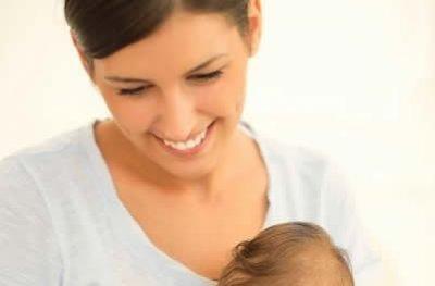 Mesmo antes de aprender a falar, o bebê se comunica; veja como incentivar