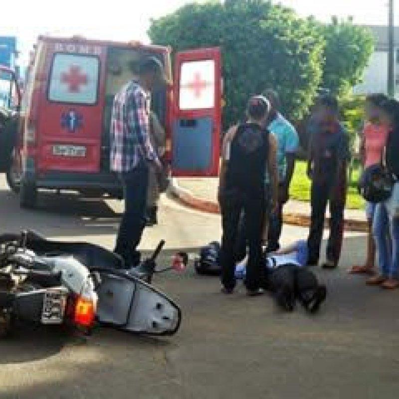 Ouro Preto: carro bate em moto e provoca acidente no centro