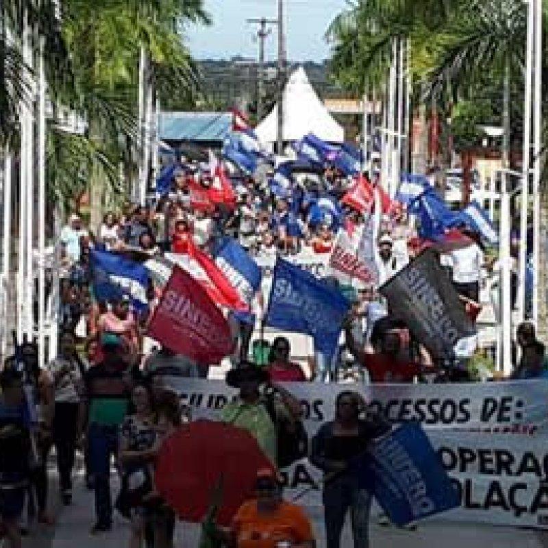Trabalhadores em educação fazem assembleia nesta quarta-feira e pedem legalização da greve na Justiça