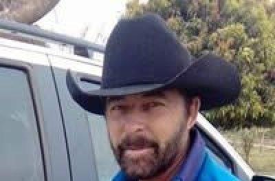 Parecido com Chuck Norris, pecuarista rondoniense faz sucesso