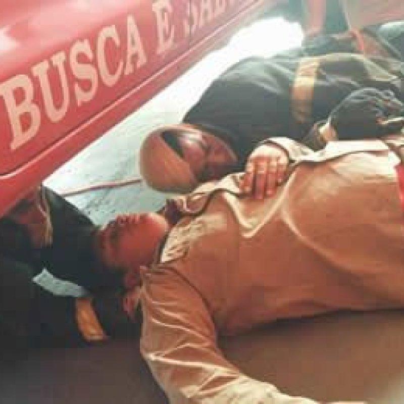 Bombeiros de Ouro Preto fazem treinamento de resgate em lugares fechados