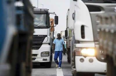 Preço mínimo de frete opõe empresas e caminhoneiros