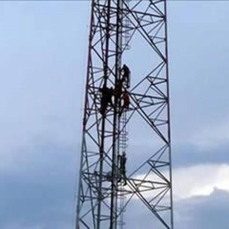 Homem passou quase sete horas ameaçando se atirar da torre da TV Rondônia