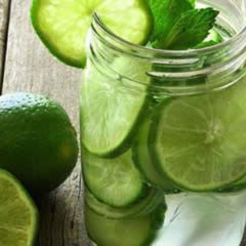 7 motivo para você só beber água com limão a partir de agora