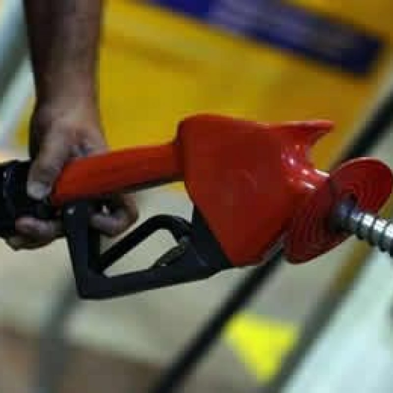Petrobras reduzirá preços de diesel e gasolina nesta terça
