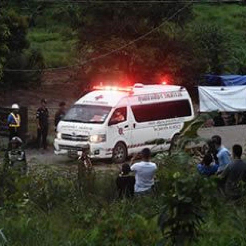 Quatro meninos já foram resgatados de caverna inundada na Tailândia