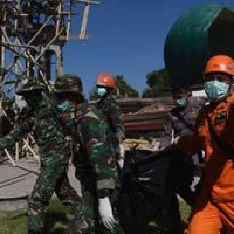 Número de mortos na Indonésia por terremoto e tsunami sobe para 1.763