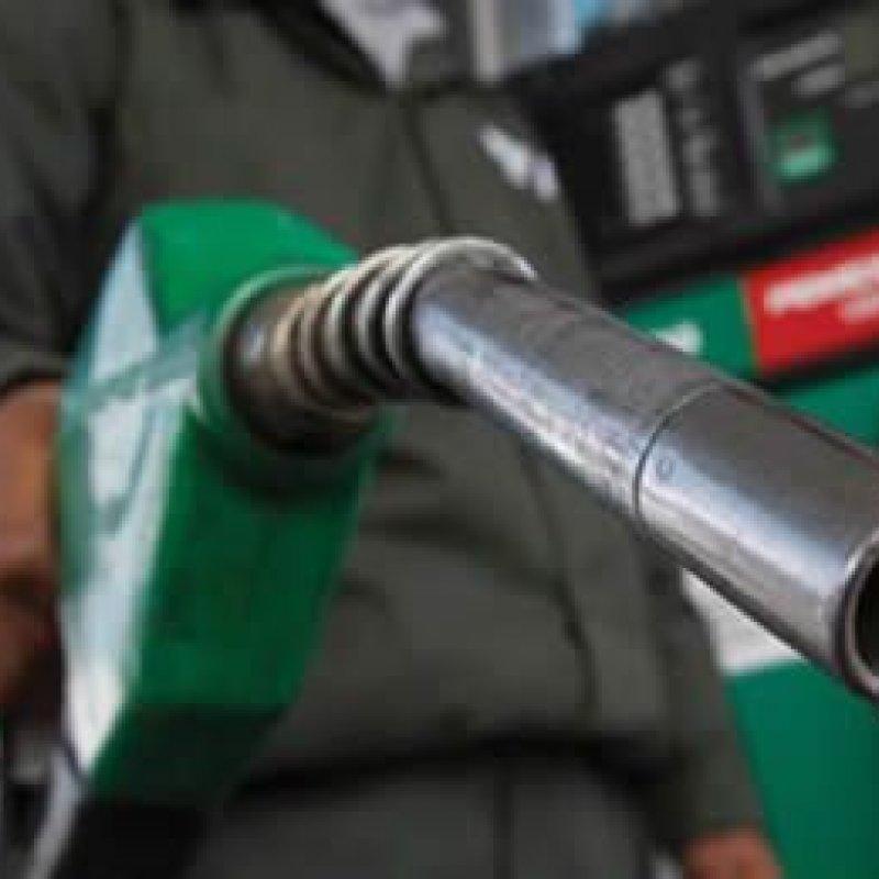 Petrobras reduz preço do diesel e eleva o da gasolina