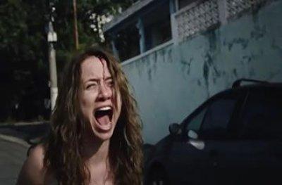 Atriz ouro-pretense dispensa dublê em luta durante cena na série
