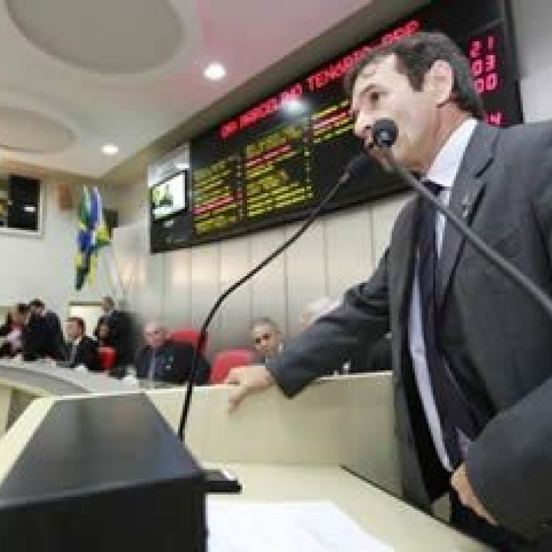 Deputado Marcelino quer solução para a falta de efetivo policial em Ouro Preto