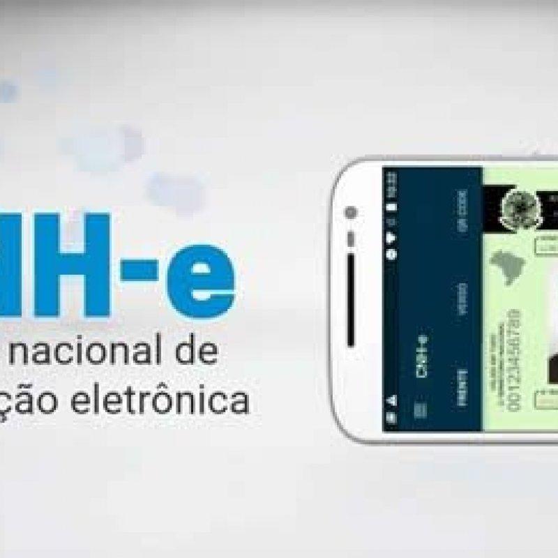 Adeus papel: agora você pode rodar com sua CNH em um app de celular