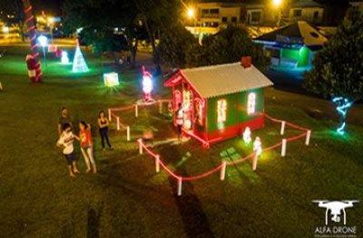 Decoração natalina encanta e atrai visitantes em Ouro Preto do Oeste