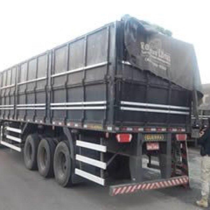 Madeira transportada irregularmente é apreendida pela PRF em Ji-Paraná