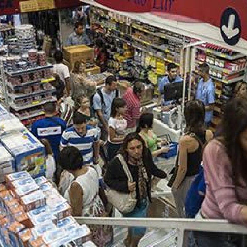 Mais de 62 milhões de brasileiros estão negativados, aponta SPC
