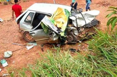 Colisão na BR-364 entre três veículos deixa duas mulheres mortas