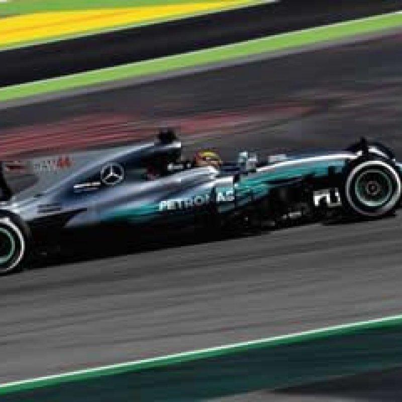 Ferrari diminui a diferença, mas Hamilton segue dominando na Espanha