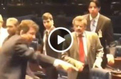 Cassol quase sai na porrada com senador petista