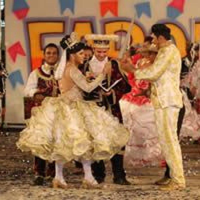 180 integrantes de quadrilhas juninas de Porto Velho se apresentam no 37º aniversário de Ouro Preto