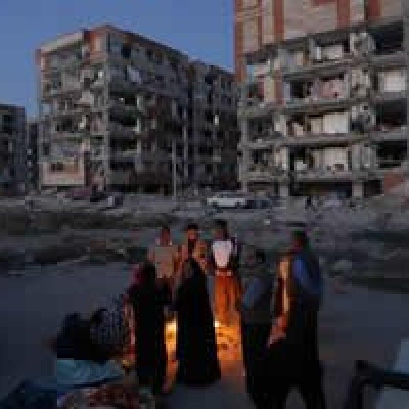 Número de mortos em terremoto entre Irã e Iraque sobe para 348