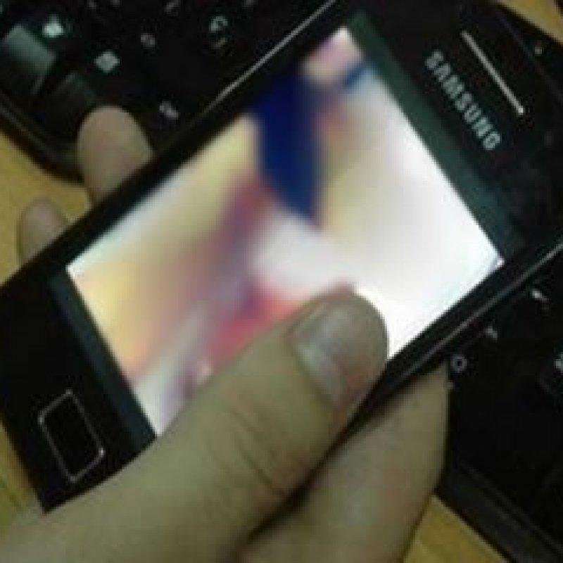 Mãe denuncia rapaz suspeito de enviava mensagens eróticas e fotos íntimas à filha de 13 anos