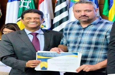 Ouro Preto: Prefeito recebe certificado de Transparência Pública pelo TCE - RO