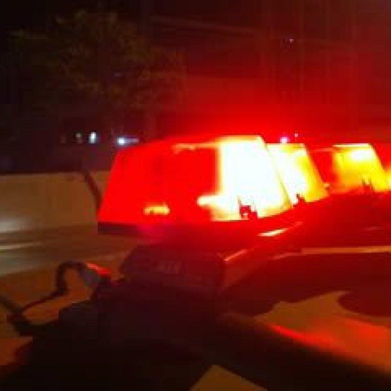 Ouro Preto: jovem tem celular roubado por dupla em moto, enquanto caminhava
