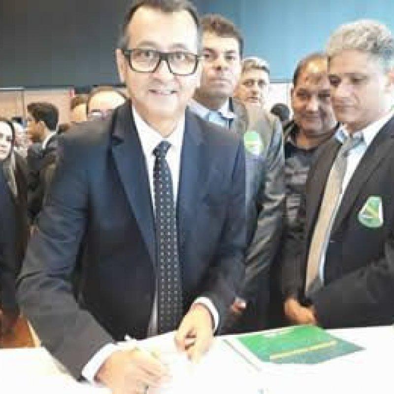 Prefeito Charles Gomes assina em Brasília adesão ao programa 'Internet para Todos'