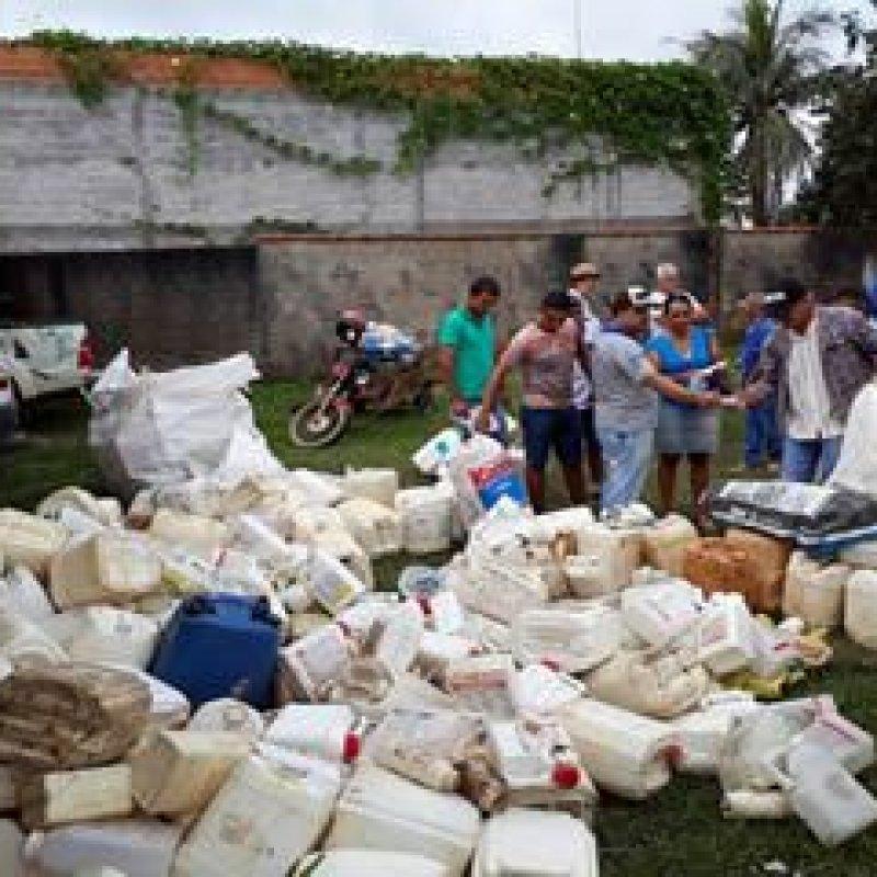Idaron recolhe mais de 2 mil embalagens vazias de agrotóxicos em Vale do Paraíso