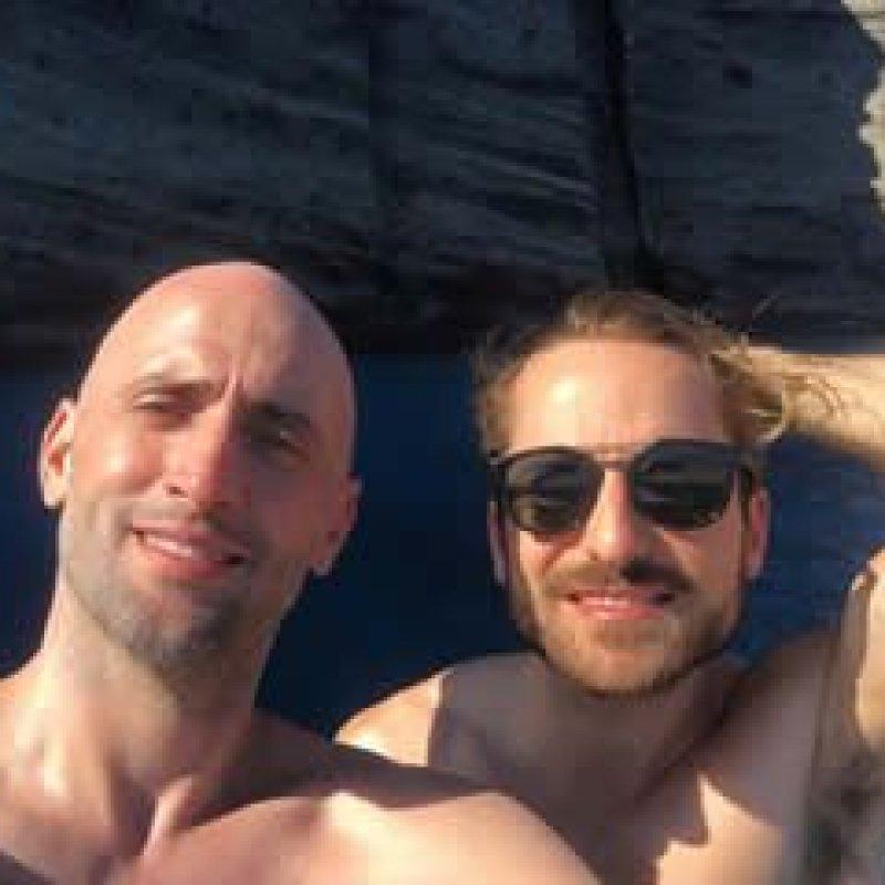 Paulo Gustavo e marido anunciam que serão pais de gêmeos