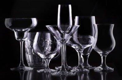 Por que há diferentes tipos de taça para diferentes tipos de vinho?