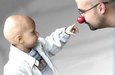 Mais de 300 mil crianças e adolescentes são diagnosticados com câncer todos os anos