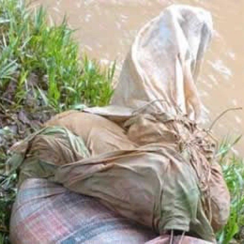 Corpo de jovem é encontrado amarrado dentro de saco boiando em rio