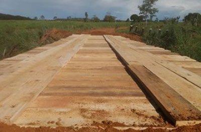 SEMINFRA finaliza serviço de recuperação de mais uma ponte na zona rural de Ouro Preto