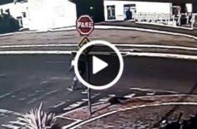Dupla assalta pedestre em plena luz do dia, no centro da cidade de OPO